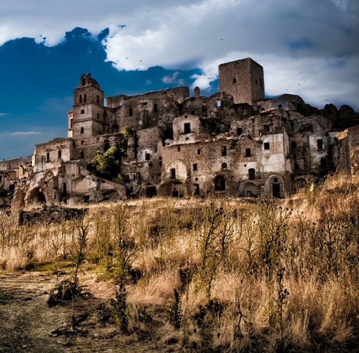 Craco, Italy. Abandoned in 1963 due to recurring earthquakes | Photo by Paolo Dari