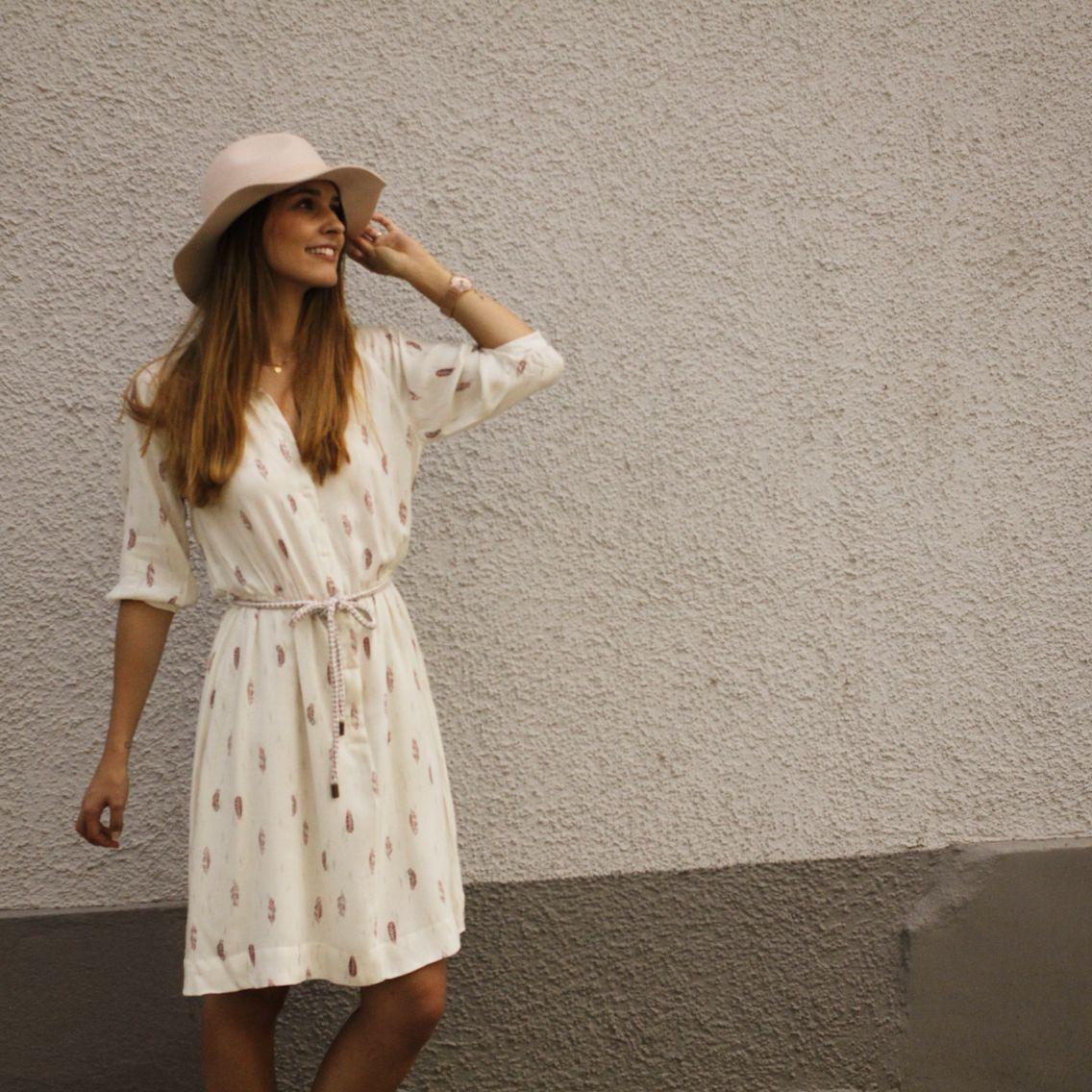Cremefarbene Kleidchen von Sessun  Cremefarbenes kleid, Kleidchen