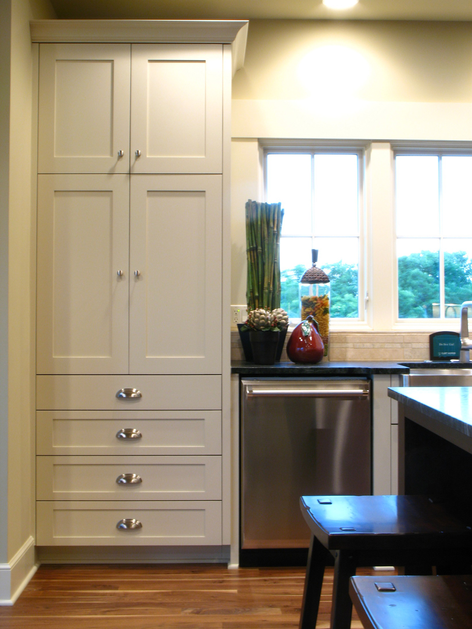 Kitchen cabinets: painted vs. stained ...   Installing ...
