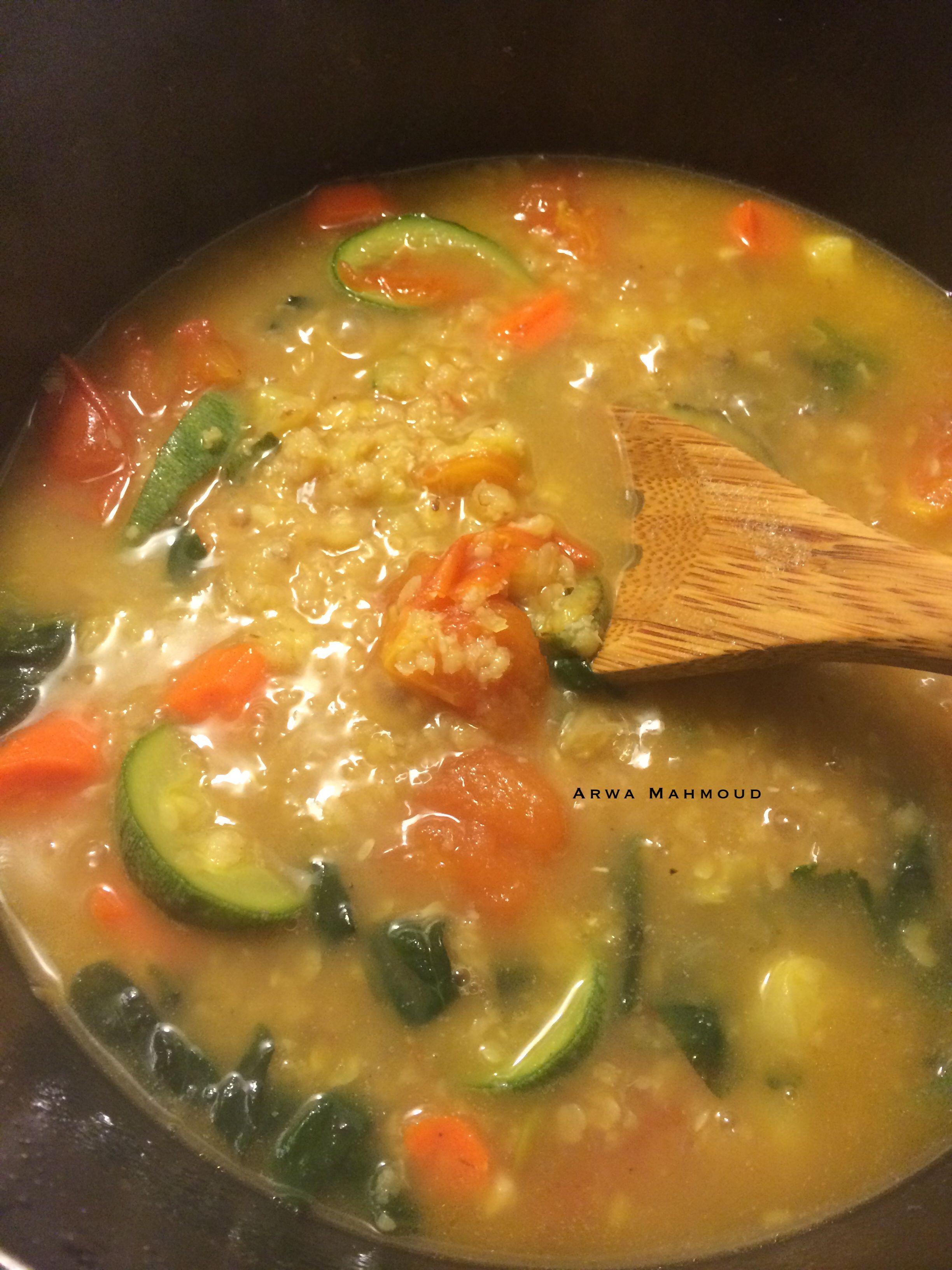 شوربة العدس مع الخضار بصل سبانخ كوسا جزر طماطم Lentil Soup With Veggies Onion Spinach Zucchini Carr Food Videos Desserts Tasty Dishes Food Videos