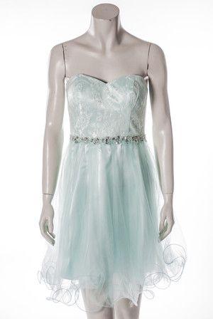 Kleid aus Tüll und Spitze von Laona. Mehr Auswahl finden Sie online bei  Mode Bösckens. 5267713982