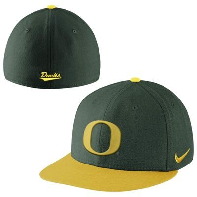 buy online 2c857 42f53 New Era Oregon Ducks True Colors Authentic Performance Fitted Hat -  Green Yellow