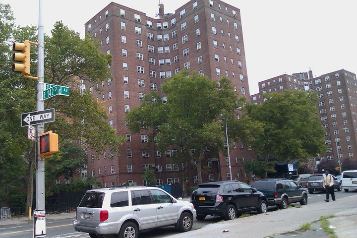 142nd Third Ave Patterson Projects S R Grew Up Here Keep It Movin The Bronx New York Bronx Nyc Patterson House