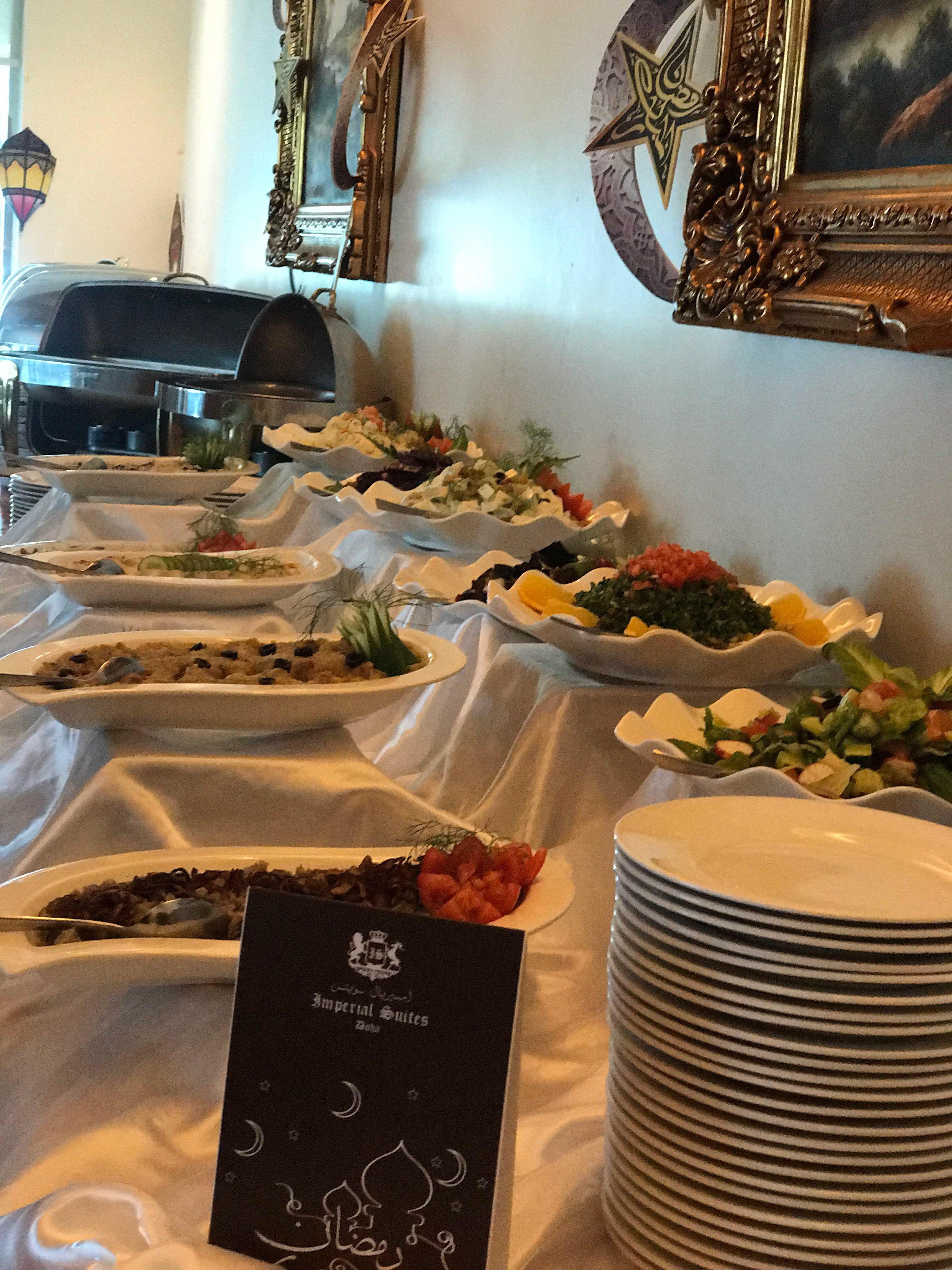 بوفيه إفطار لا ينسى ب65 ريال قطري للشخص مطعم أمسيات يقدم لك مجموعة متنوعة من وجبات بوفيه لذيذة في هذا الشهر الفضيل من رمضان كل مجموع Iftar Restaurant Ramadan