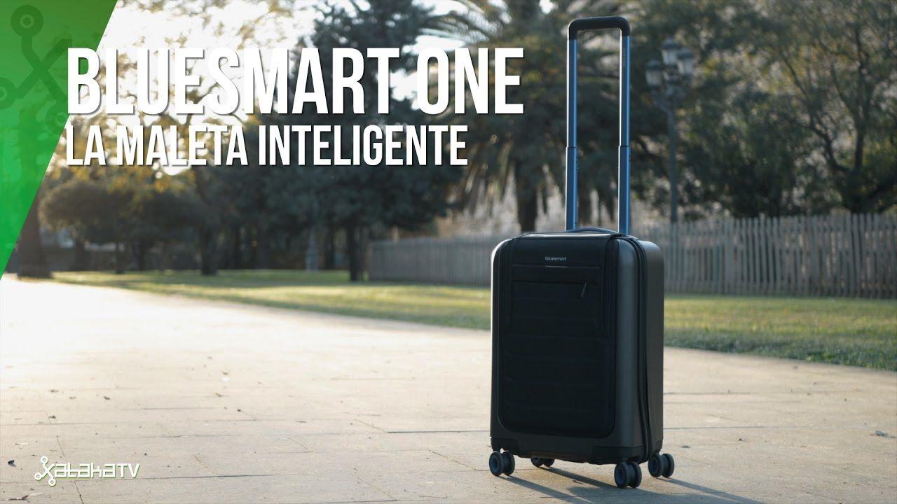 Análisis de la Bluesmart One, una maleta inteligente que ofrece conectividad 3G/GPS, batería extra, báscula, cierre automático y más características. ¿Será suficiente para apostar por ella y pagar los 449€ aprox que cuesta? Más reviews : https://www.youtube.com/channel/UCUrYBZGlEOSD1_ds_HcNd6A