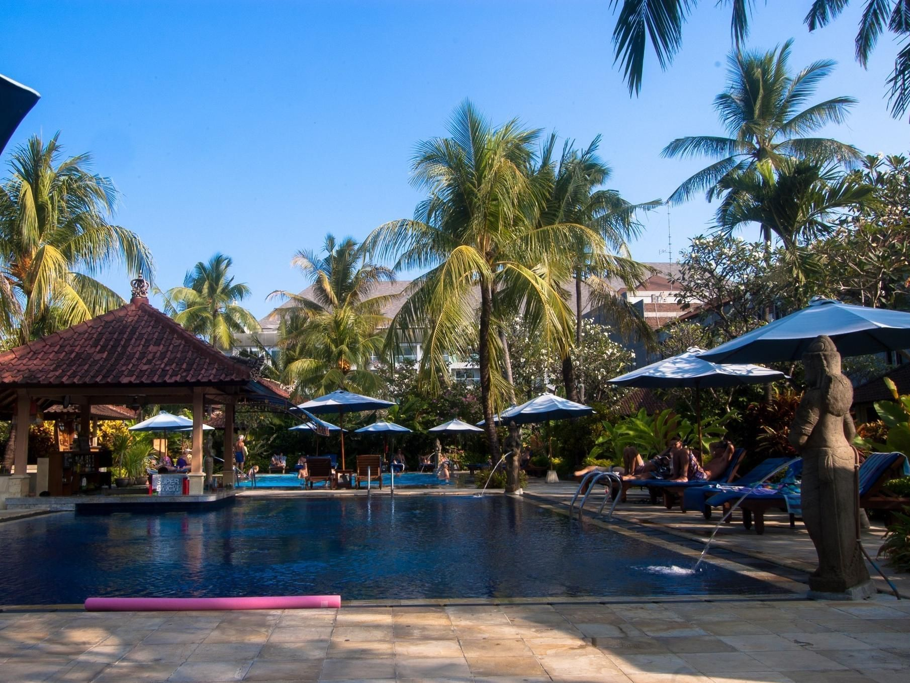 Bali kuta puri bungalow and spa indonesia asia the 3 star for Bali indonesia hotels 5 star
