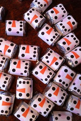 hershey nugget snowmen faces | Hershey nugget, Holiday ...