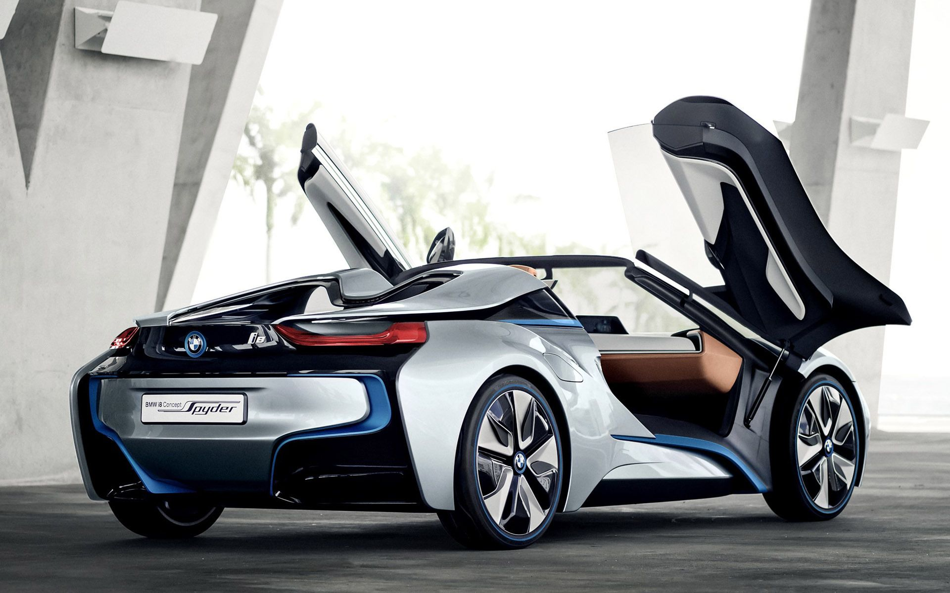 The bmw spyder concept is a plug in hybrid two seat sports car featuring a carbon fibre reinforced plastic passenger cell further information at www