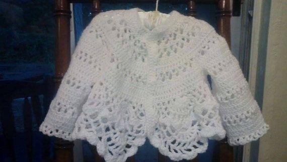 Mira este artículo en mi tienda de Etsy: https://www.etsy.com/listing/244524728/white-baby-sueter-abrigo-de-bebe-blanco