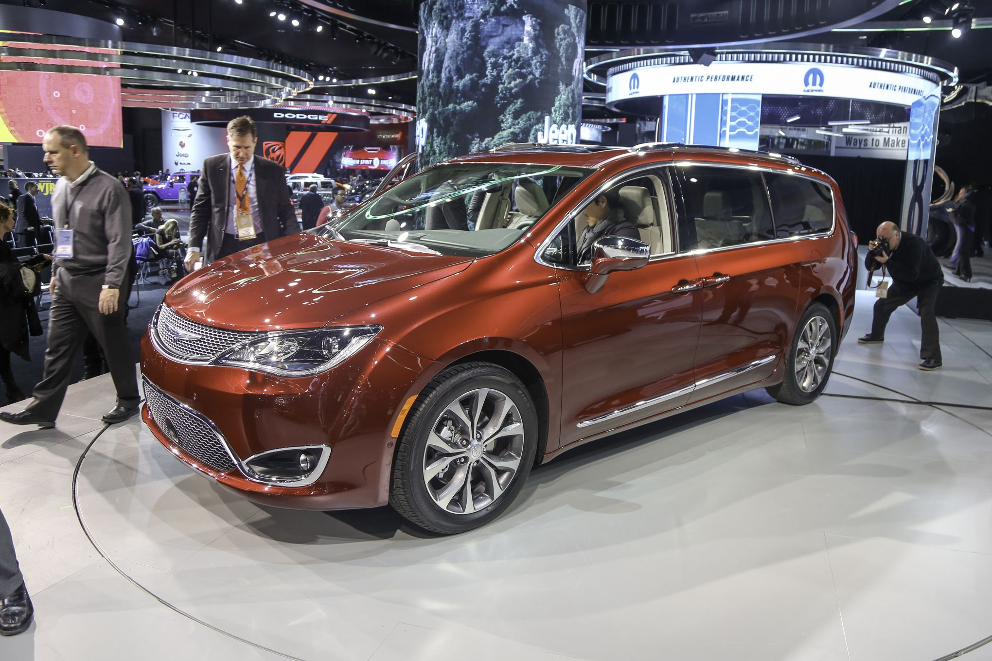 2018 Chrysler Pacifica Awd Motavera Com