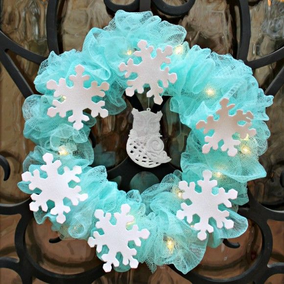 Winter-Wreath Out of Mesh Shower Sponges (Dollar Store Crafts - dollar general christmas decorations