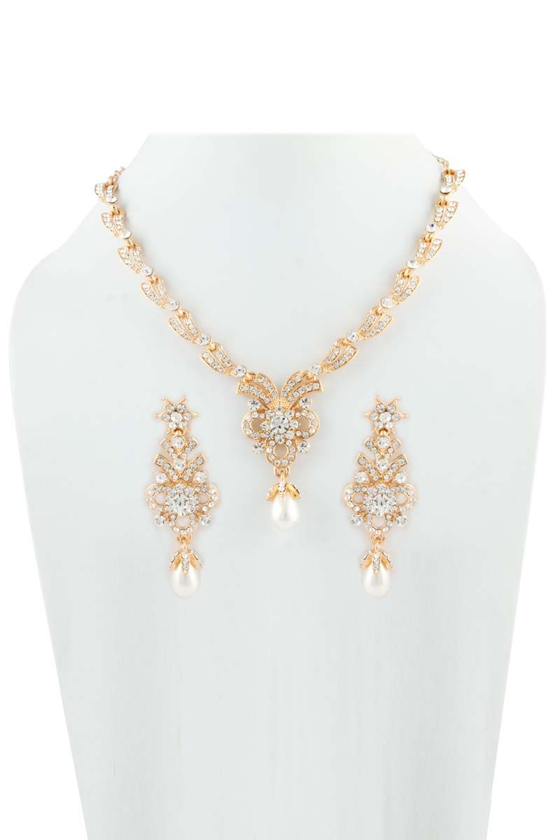 8e6a87e294 Buy Indian Women Jewellery Online Sale from Andaaz Fashion in Malaysia. Get  wide range of Women Jewelry Set for Festival, Parties, Occasion at most ...