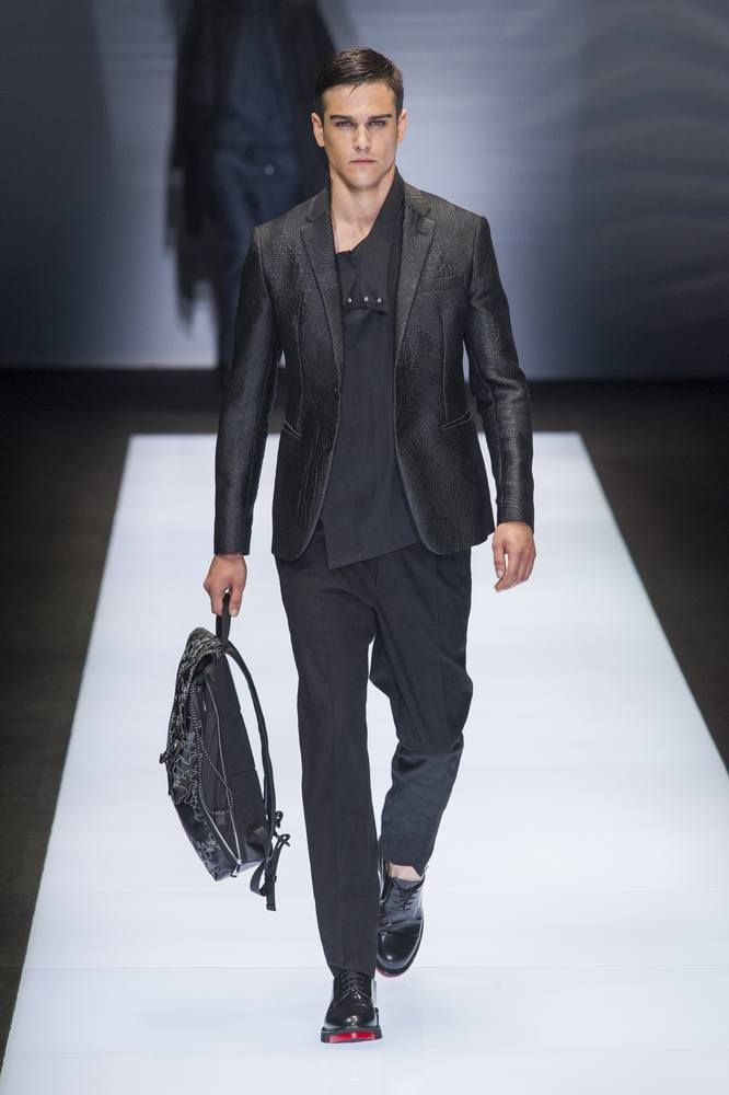 Emporio Armani Spring-Summer 2017 - Milan Fashion Week  MFW ... 85693e64d8