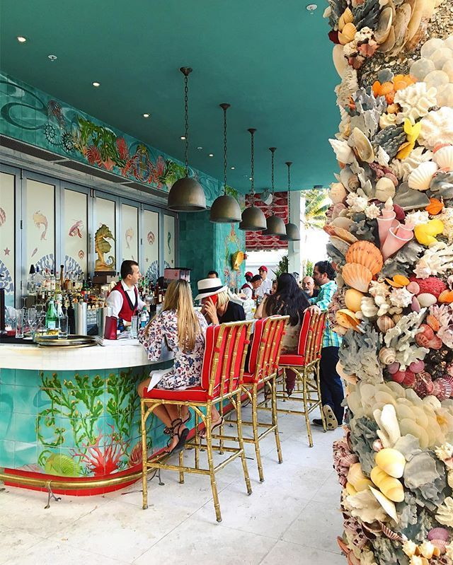 Tropical scenes at ArtBasel 🌴🐚🍸Acolorstory Miami