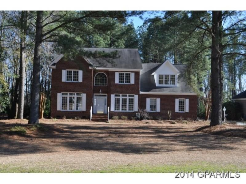 www.piratehomes.com  #HOMEForSALE in Windsor Sub., #Greenville,NC  (CLICK VIRTUAL TOUR BELOW)  http://www.propertypanorama.com/instaview-elite/gre/112496  New paint, carpet, range. Located in #Windsor Subdivision.
