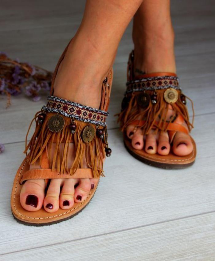 tendance sandales chaussures franges style boho chic cow girl tendance t 2017 et mode. Black Bedroom Furniture Sets. Home Design Ideas