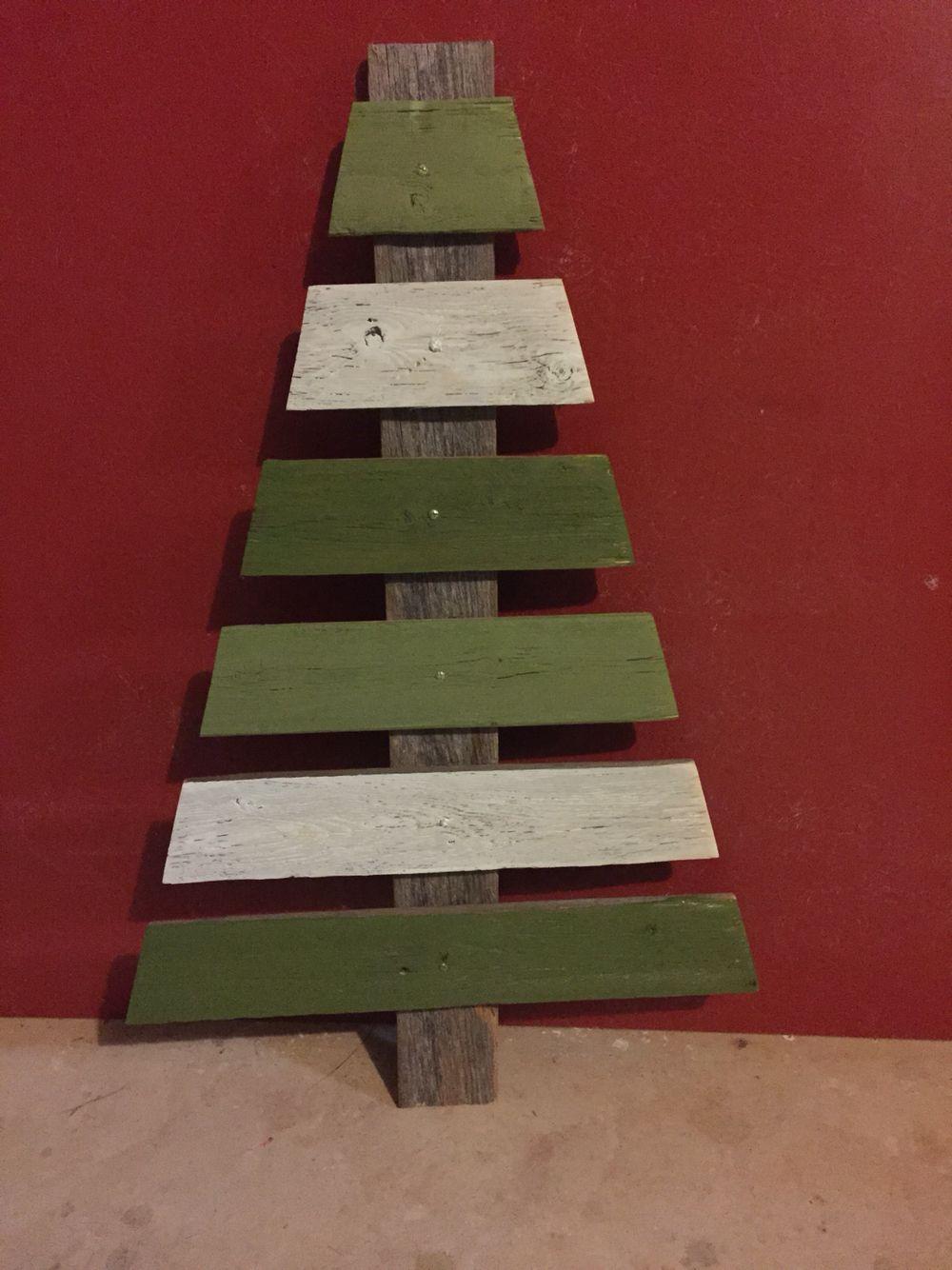 Diy Repurpose Fence Panels Christmas Tree Fence Panels