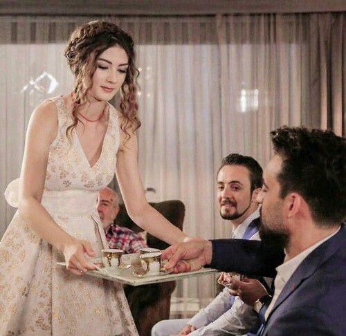 Pin By Nona On الـﻌريس الرائـﻊ Wedding Dresses Turkish Actors Velvet Collection