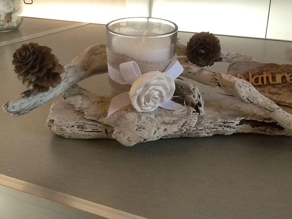 Bougeoir en bois flotté avec bougie dans un verre décoré sur le - creer une maison en 3d