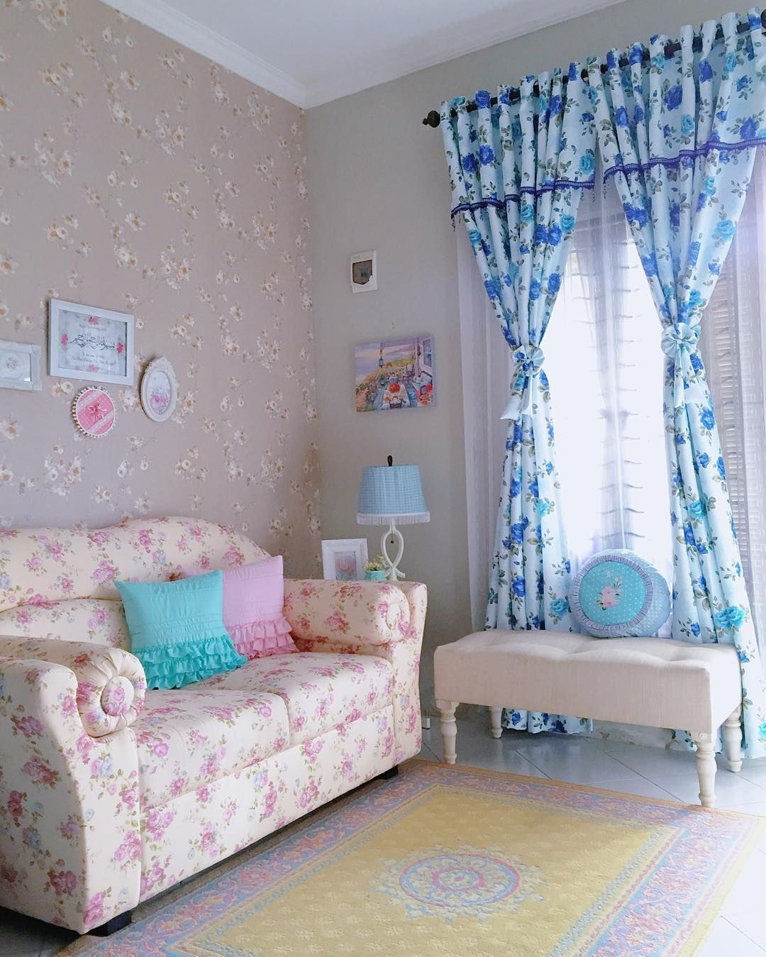 Desain Ruang Tamu Minimalis  Shabby Chic Mungil Ruang