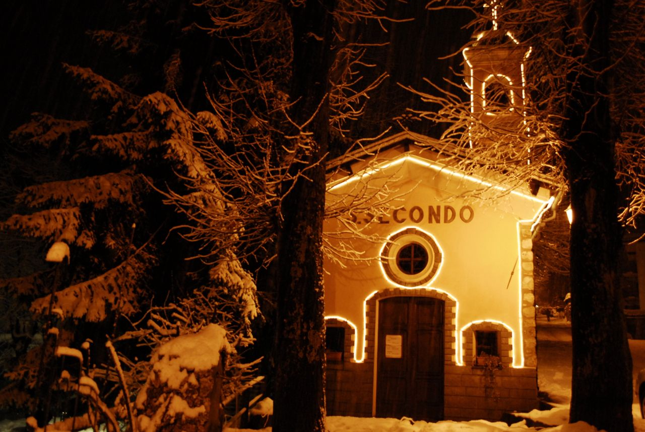 Walking at night: White Christmas - Limone