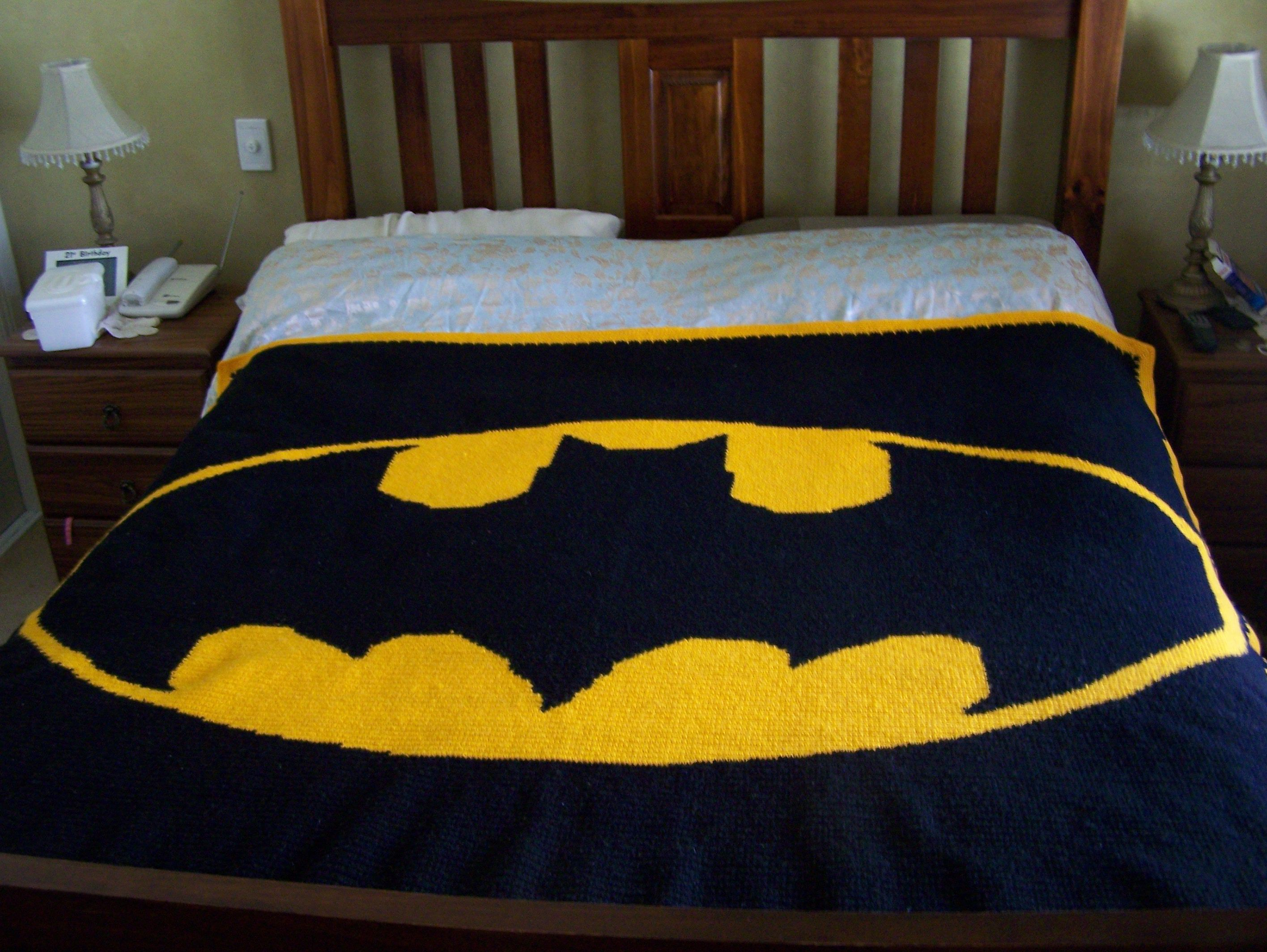 Knitting Pattern For Batman Blanket : Maybe this could be your next crochet project - Crochet ...