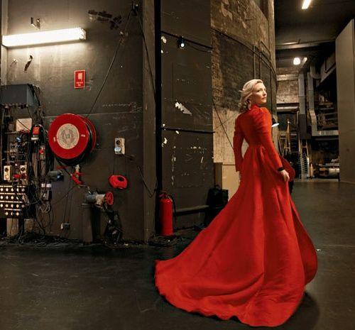 Cate Blanchett Love Scenes | Cate Blanchett By Annie Leibovitz For Vanity Fair : February 2009
