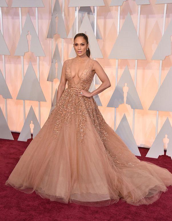 Un vestido hermosa para una hermosa mujer... #J.lo #Glamour #Oscar2015