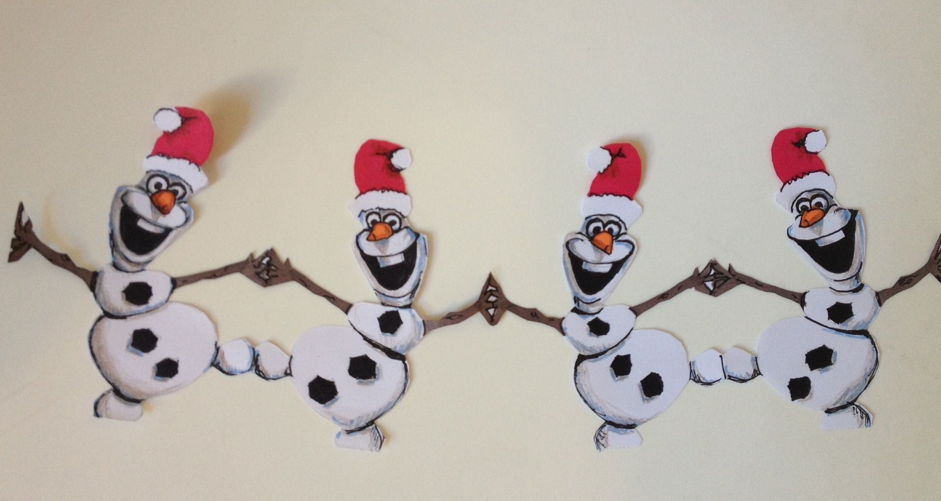 Do it yourself Xmas decorations: Olaf\'s paper garland ...