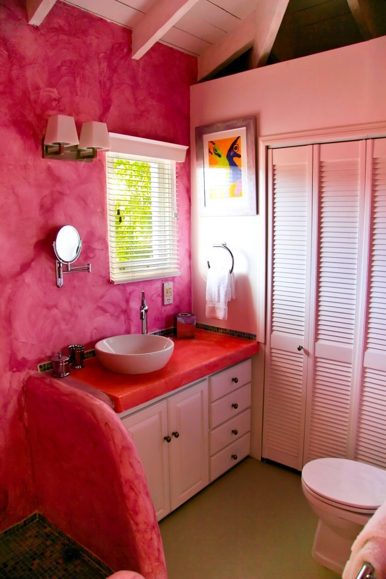 pink bathroom i love the wall texture | pink bathrooms