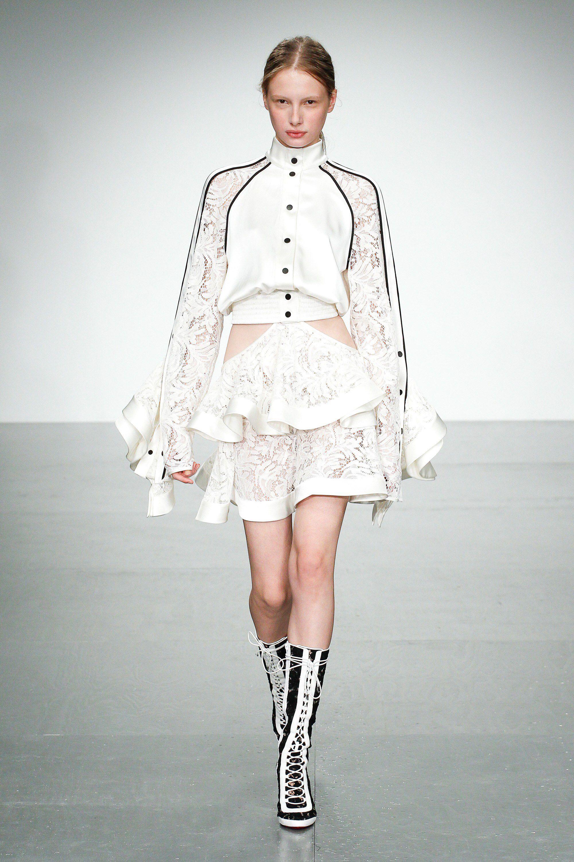 David Koma Spring 2018 Ready-to-Wear Fashion Show | David koma ...