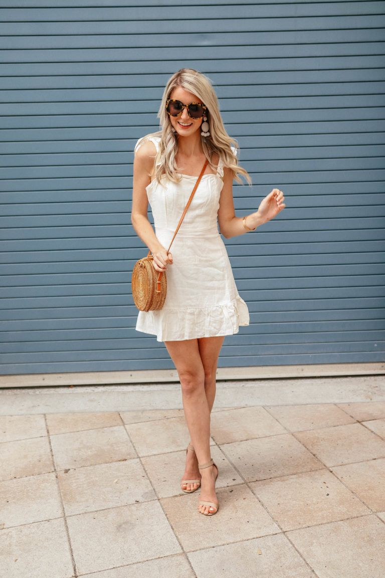 a1421738e9d How to Style  A Summer Linen Dress by Prada   Pearls