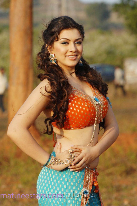 "Kushboo Tamil Hot Simple hansika motwani -- she resembles the yesteryear heroine ""kushboo"