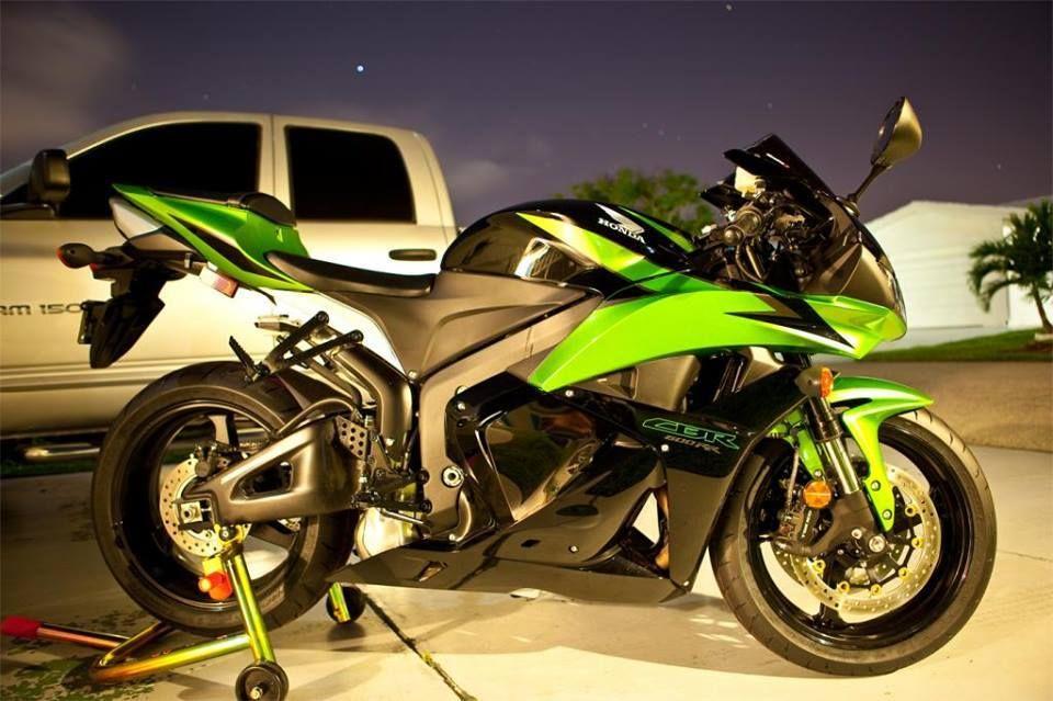 Sweet Green Cbr 600 Rr Honda Sport Bikes Cbr 600 Honda Motors