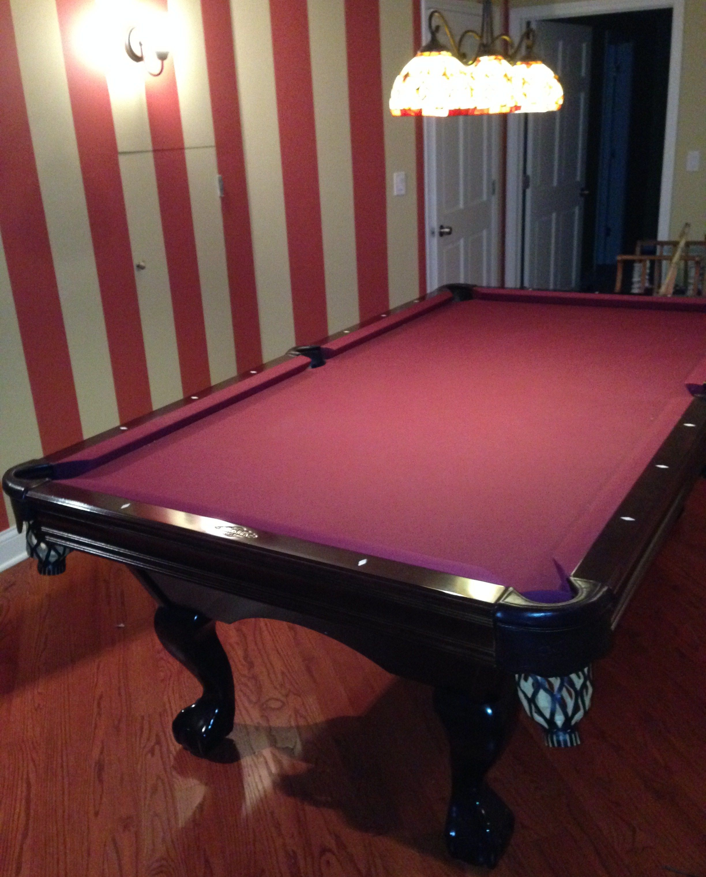 Mint gorgeous brunswick bradford ii pool table mahogany for Brunswick pool tables