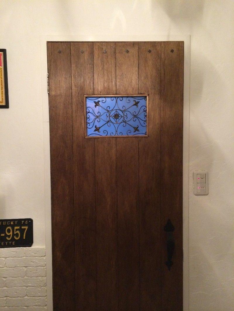 Diy 壁紙でドアを簡単リメイク 本格的なものからプチプラ 賃貸用