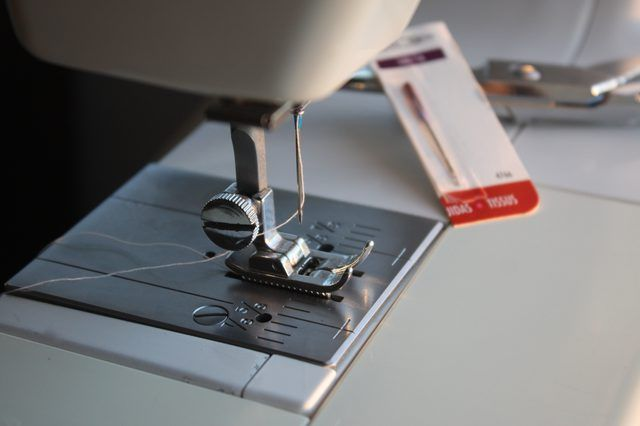 The simplicity of the mechanics of a sewing machine makes it easy to troubleshoot problems without much mechanical knowledge. Many sewing machine brands have a 25-year warranty on the head, and may not need a professional repair in that time frame. The American homemaker has been able to maintain a sewing machine in working condition with easy...