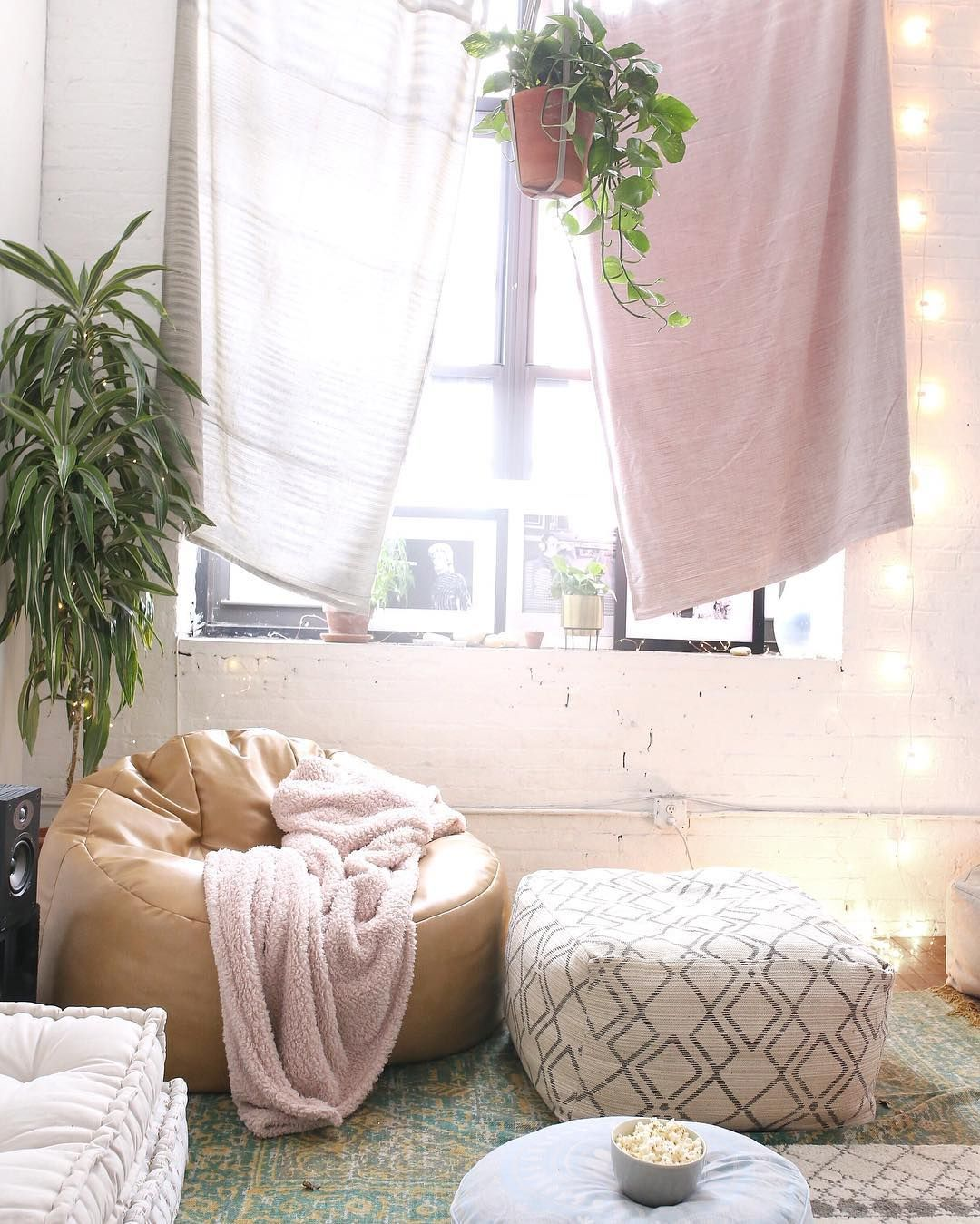 bohemian bedroom :: beach boho chic :: home decor + design :: free your wild :: see more bedroom