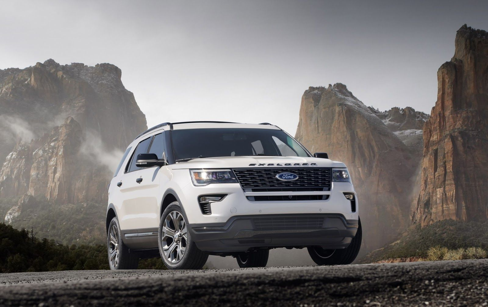 Ny Show 2018 Ford Explorer Gets Minor Revisions Before All New Replacement Ford Explorer Ford Explorer Sport Cheap Sports Cars