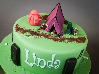 Lindau0027s cake denotes her love of c&ing and music festivals mud..and a & Lindau0027s cake denotes her love of camping and music festivals mud ...
