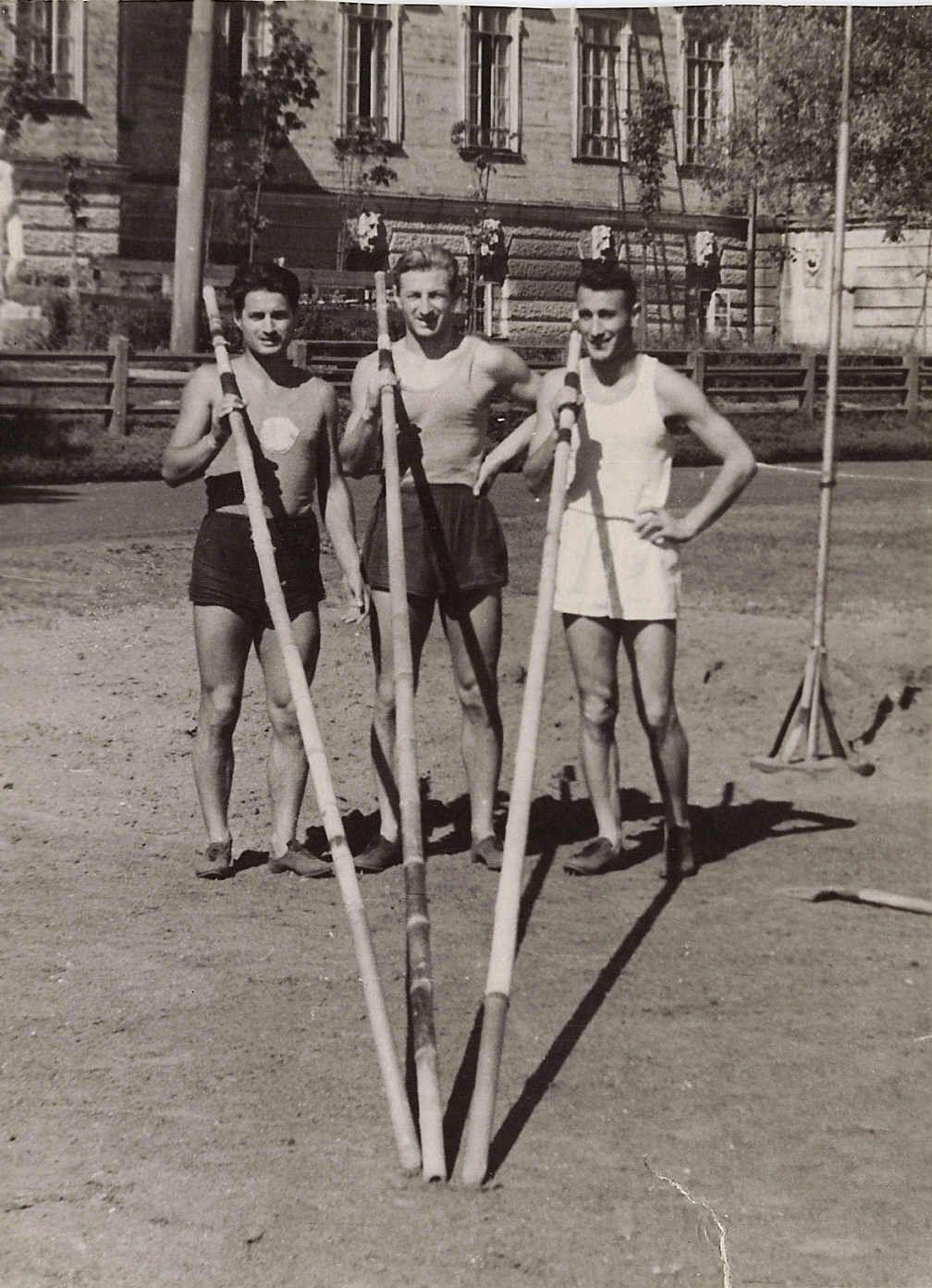 Moscow 1950 – Verkhoshansky, Yagodin (future coach of  Soviet Track & Field National Team), Topolijan (future Rector of  Armenian Institute of Physical Education & Sport)