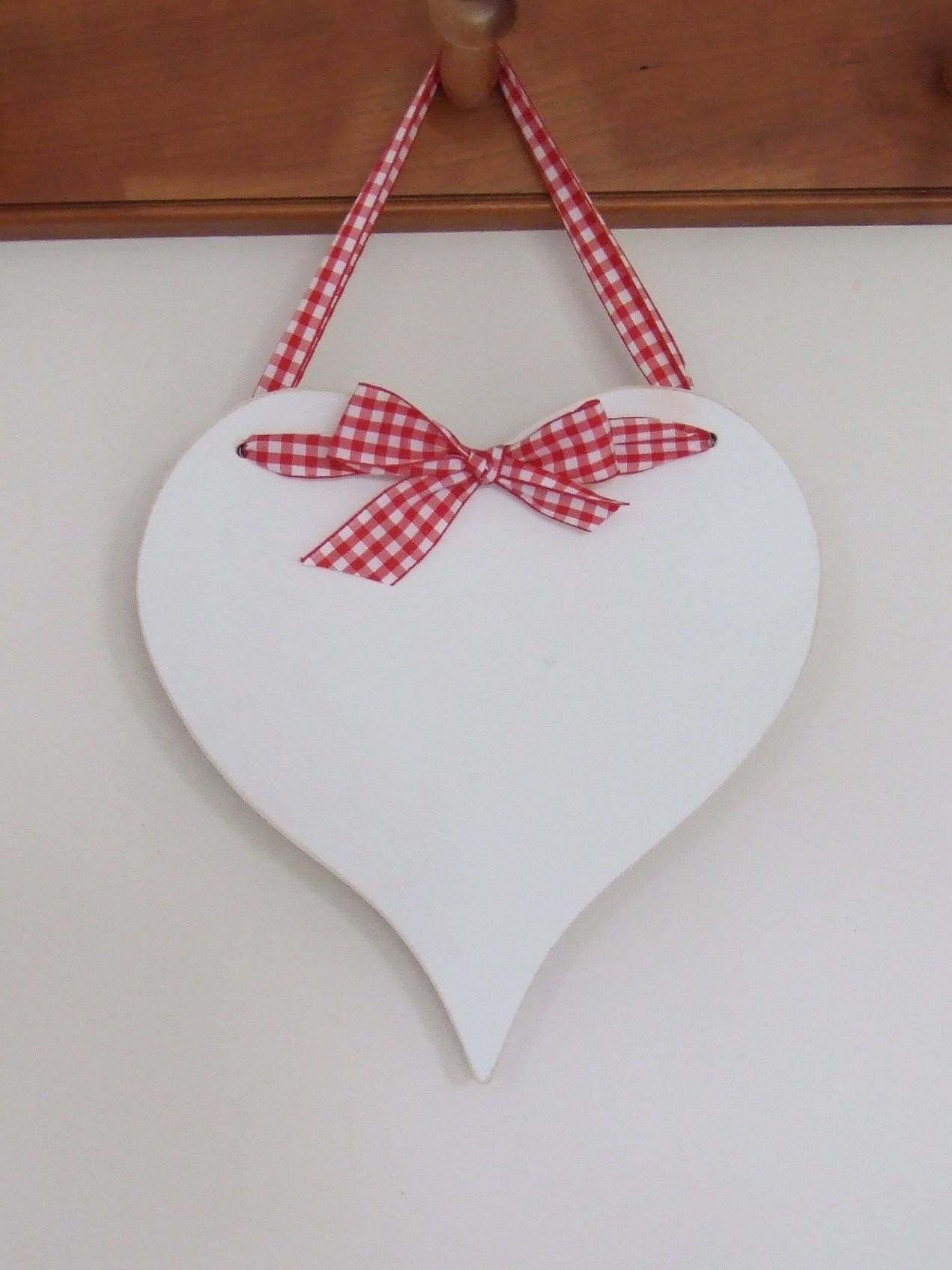 Wooden Christmas Heart Look In Michaels For These Blanks And Ribbon
