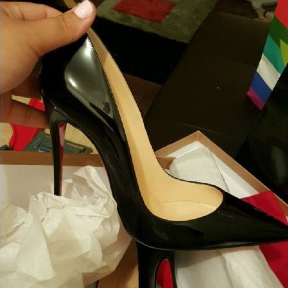 4783f52575b  550️️Christian Louboutin so Kates If you are interested please text +1  (305) 494-8279... Will post actuall pictures when she gets off work!!