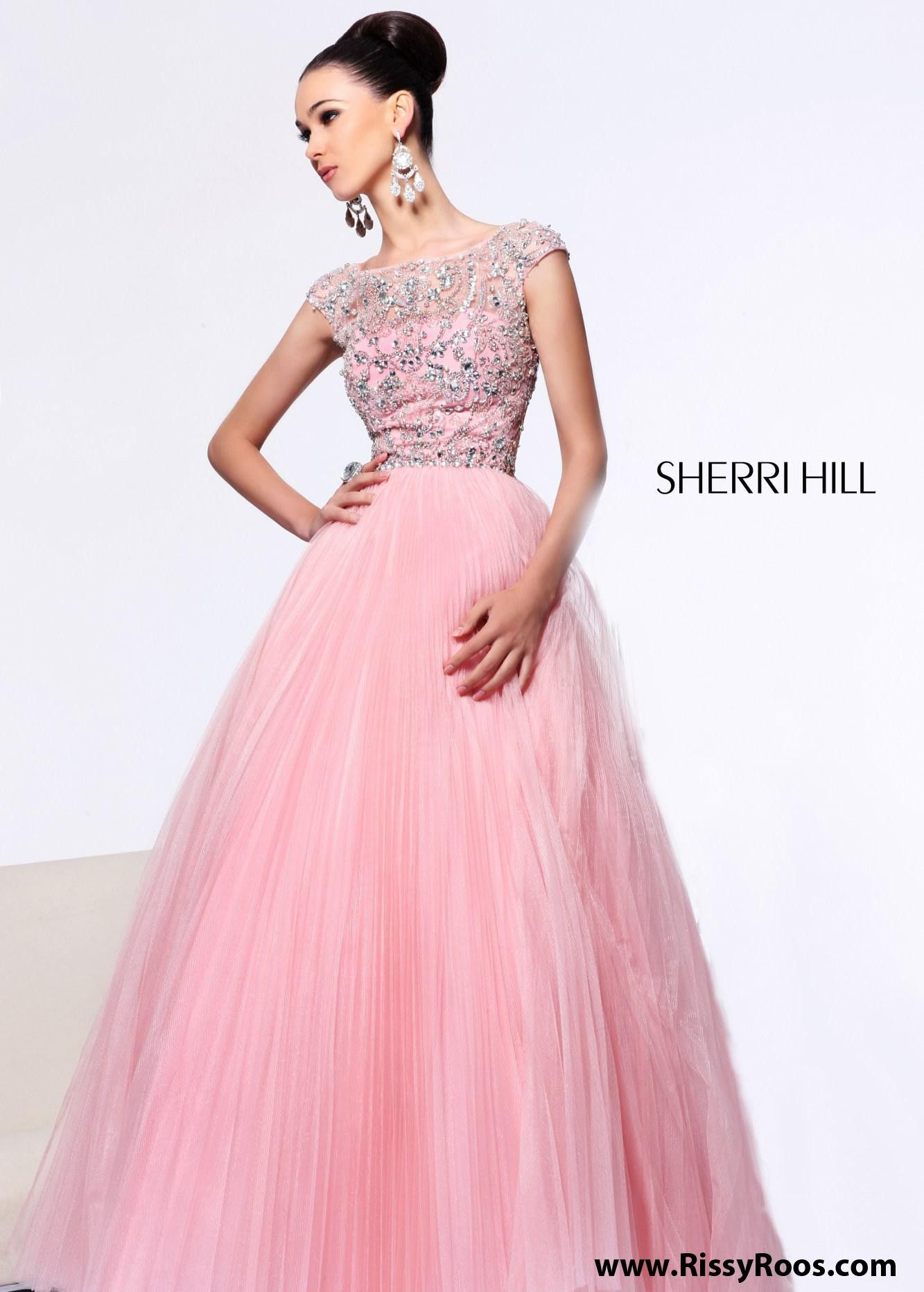 OH MY GOSH! This is perfect!! #rissyroosprom #promdress | Vogue ...