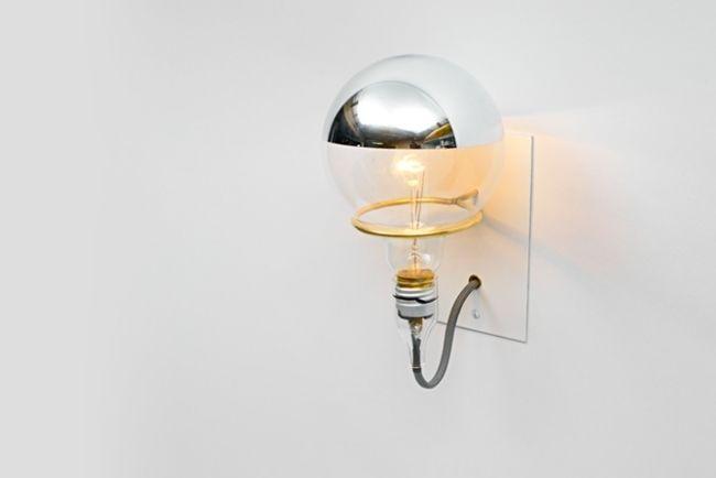 minimalistischste wandleuchte gl hbirne messing stahl brendan ravenhill bathroom beleuchtung. Black Bedroom Furniture Sets. Home Design Ideas