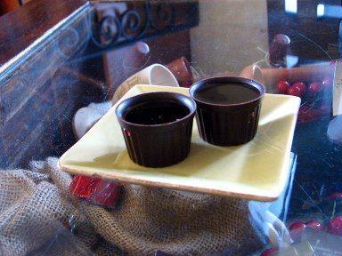Fancy - Ginjinha em copos de chocolate
