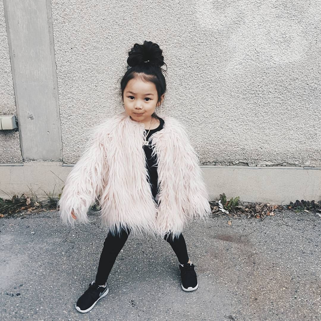 "@lisaonn op Instagram: ""The coat came!! #yyc #fashionblog #stylish_cubs #styleblog #kidsfashion #kidslookbook #kidzfashion #kidsootd #kidzootd #postmyfashionkid #kotd #igkiddies #ootd #streetfashion #streetwear #trendykiddies #toddlerfashion #instagramkids #dressupdaily #beautiesandgents #cutekidsfashion #instakids #newitkids #mini_fashionkids #dope_kids #littlegarms #myfashionations #minilicious #fashionkid"""