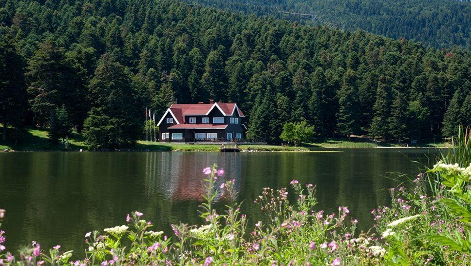 شاهد جمال الطبيعة الخلابة في مدينة بولو التركية Natural Landmarks Tourism Landmarks