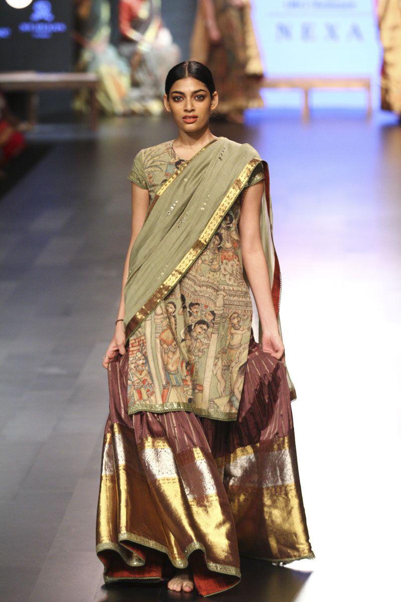 Lfw Wf 2017d3s4 Gaurang Runway 120 In 2020 Mehendi Outfits Lakme Fashion Week Indian Bridal Fashion