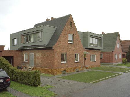 Umbau Haus straßenansicht süd-west - haus vannauer - umbau und aufstockung
